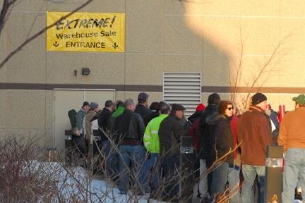 How to shop the warners stellian warehouse sale like a for Warners stellian