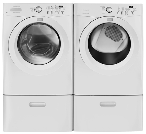 Save $300 on this Fridgaire front-load washer (3.5 cu. ft) and dryer (7 cu. ft with moisture sensor). $799.