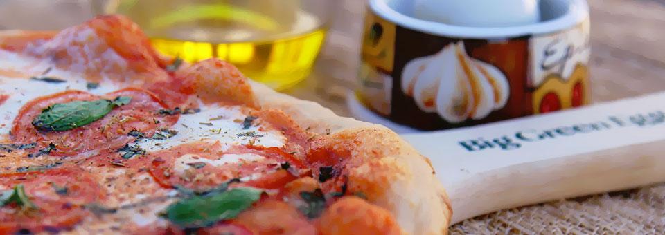 big-green-egg-pizza